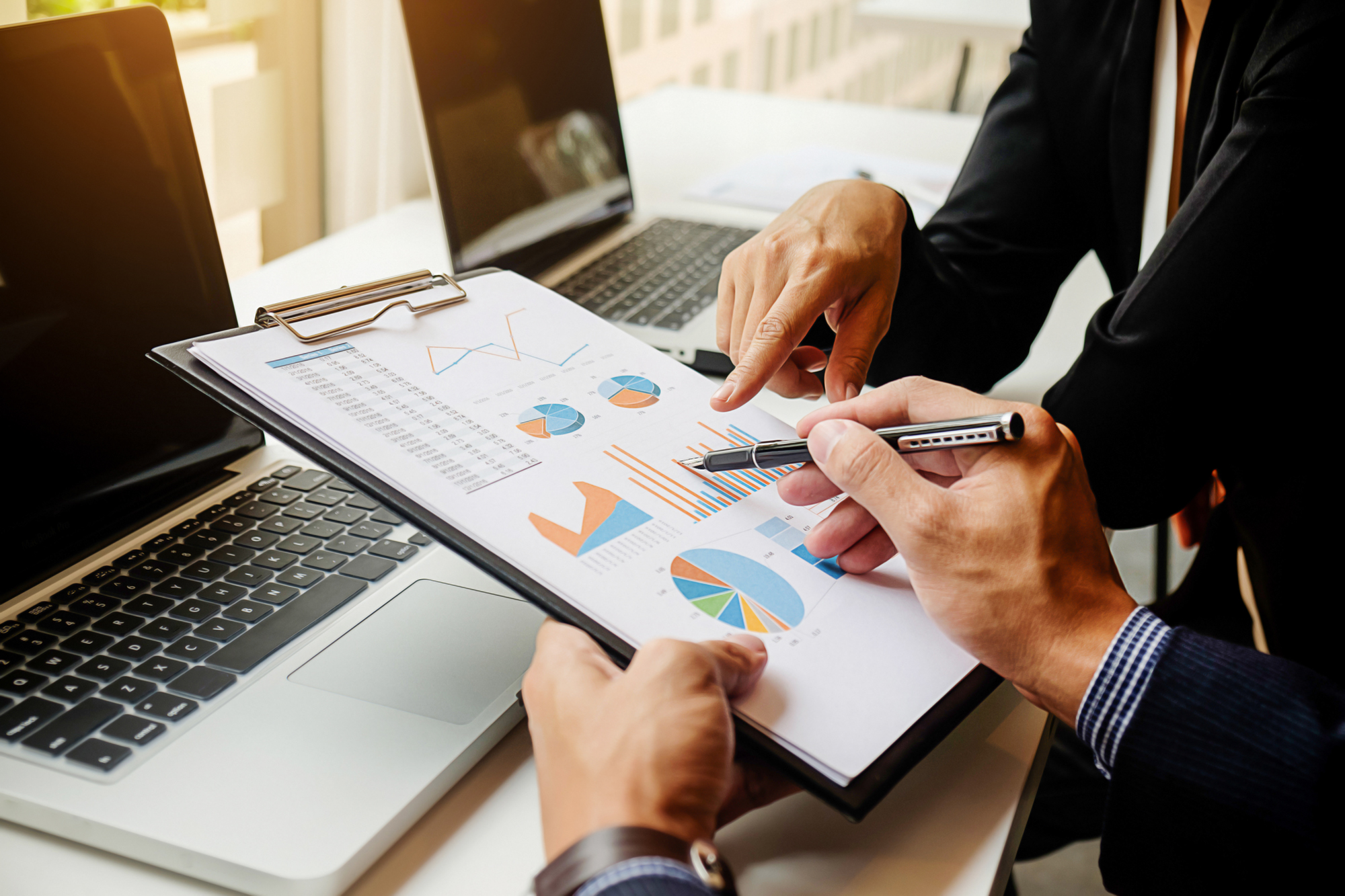 s the difference between corporate finance and personal finance And, for business owners continuing to learn the many differences between business and personal finance, some additional advice from entrepreneurcom: keep your business and personal finances separate this may sound obvious, but you'd be surprised how often business owners commingle the two.