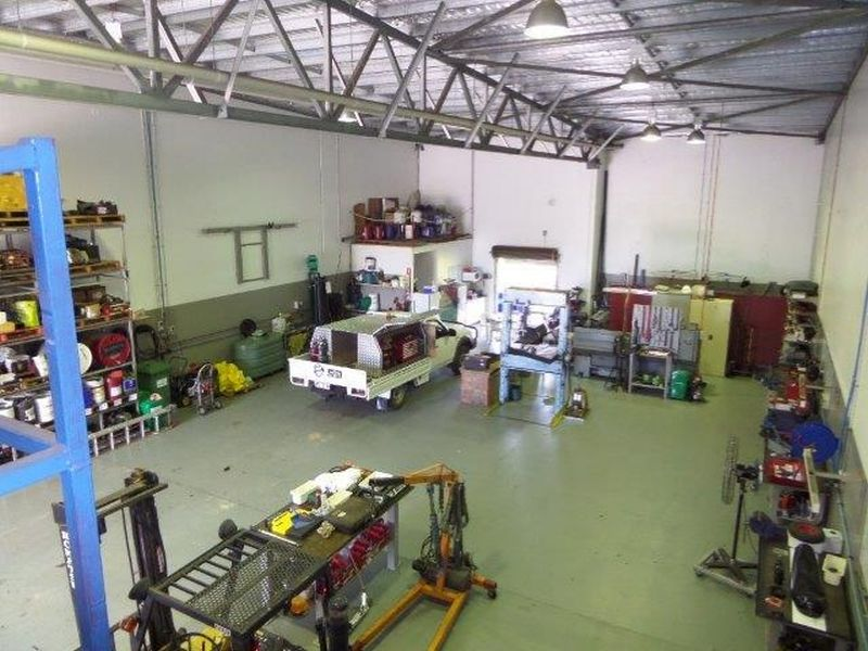 ESTABLISHED CAIRNS HYDRAULICS BUSINESS