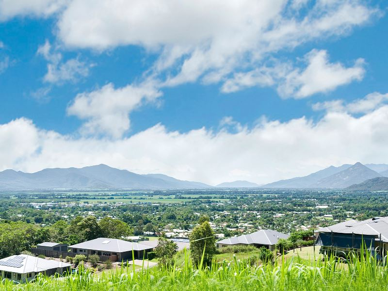 MASSIVE 1757M2 BLOCK OVERLOOKING CAIRNS SOUTH HINTERLAND