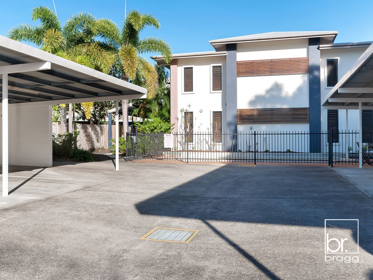 3/199 KAMERUNGA RD, FRESHWATER IS A MODERN GROUND FLOOR APARTMENT