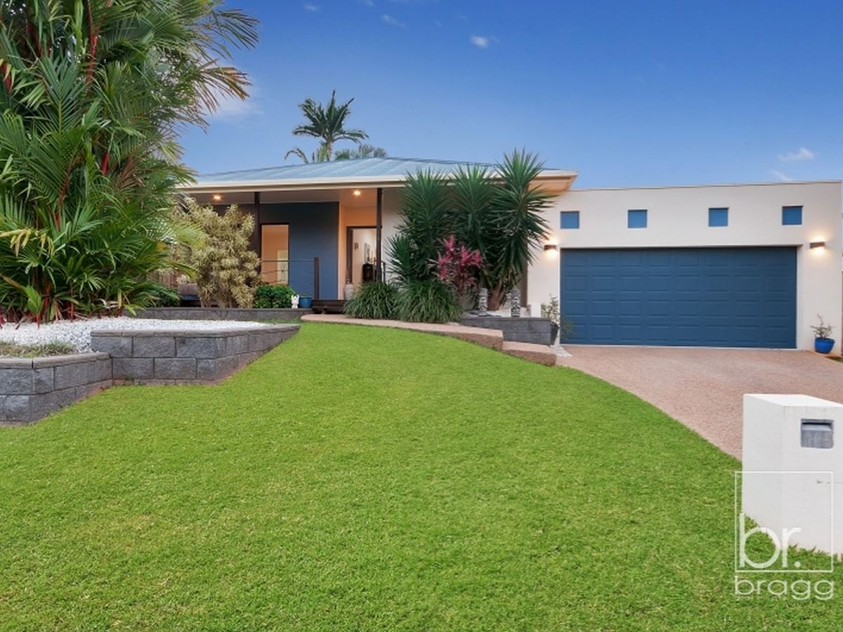 14 HAZELWOOD CLOSE, MOUNT SHERIDAN