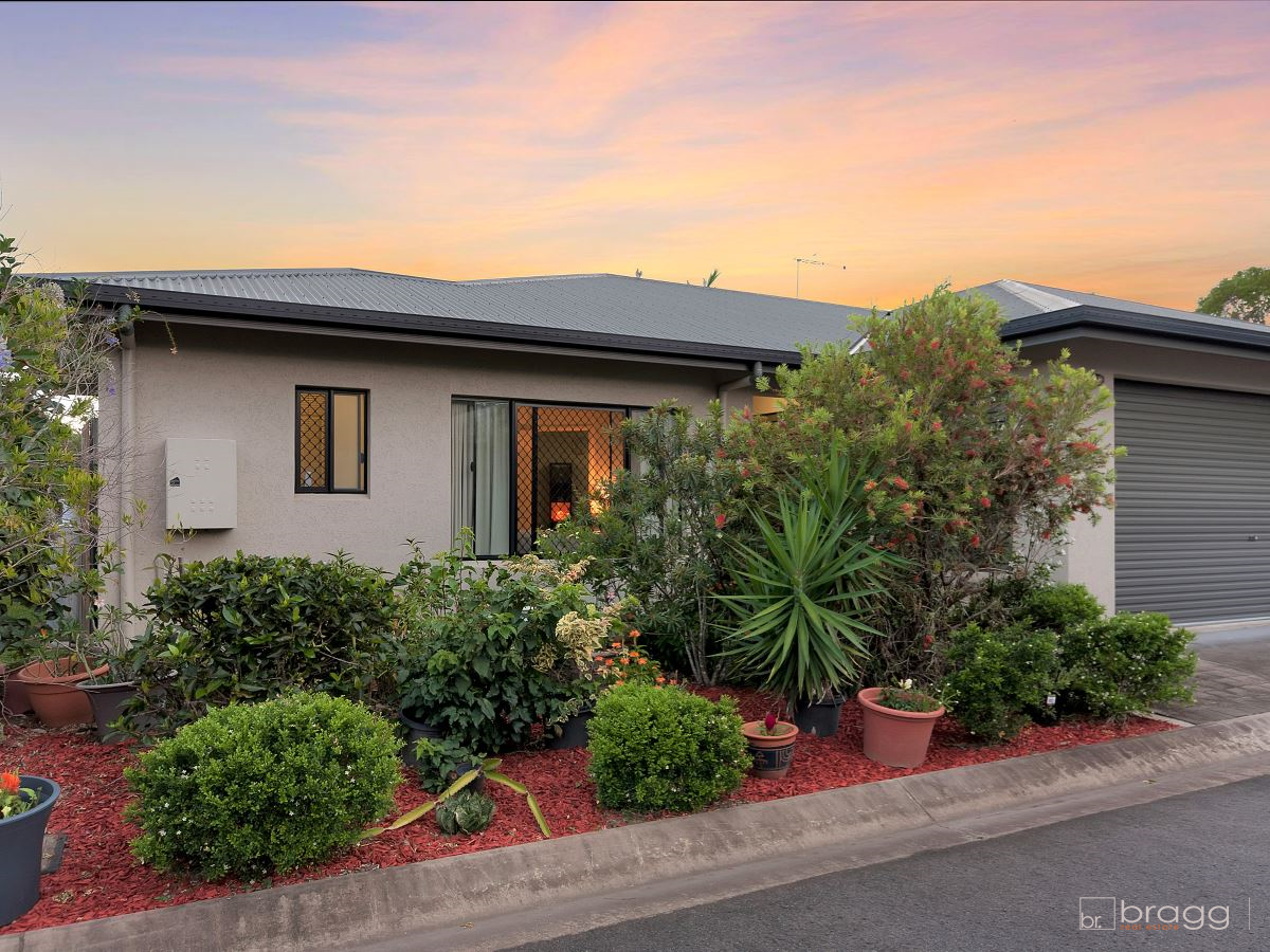 This stylish lowset residence is just what you have been searching for!