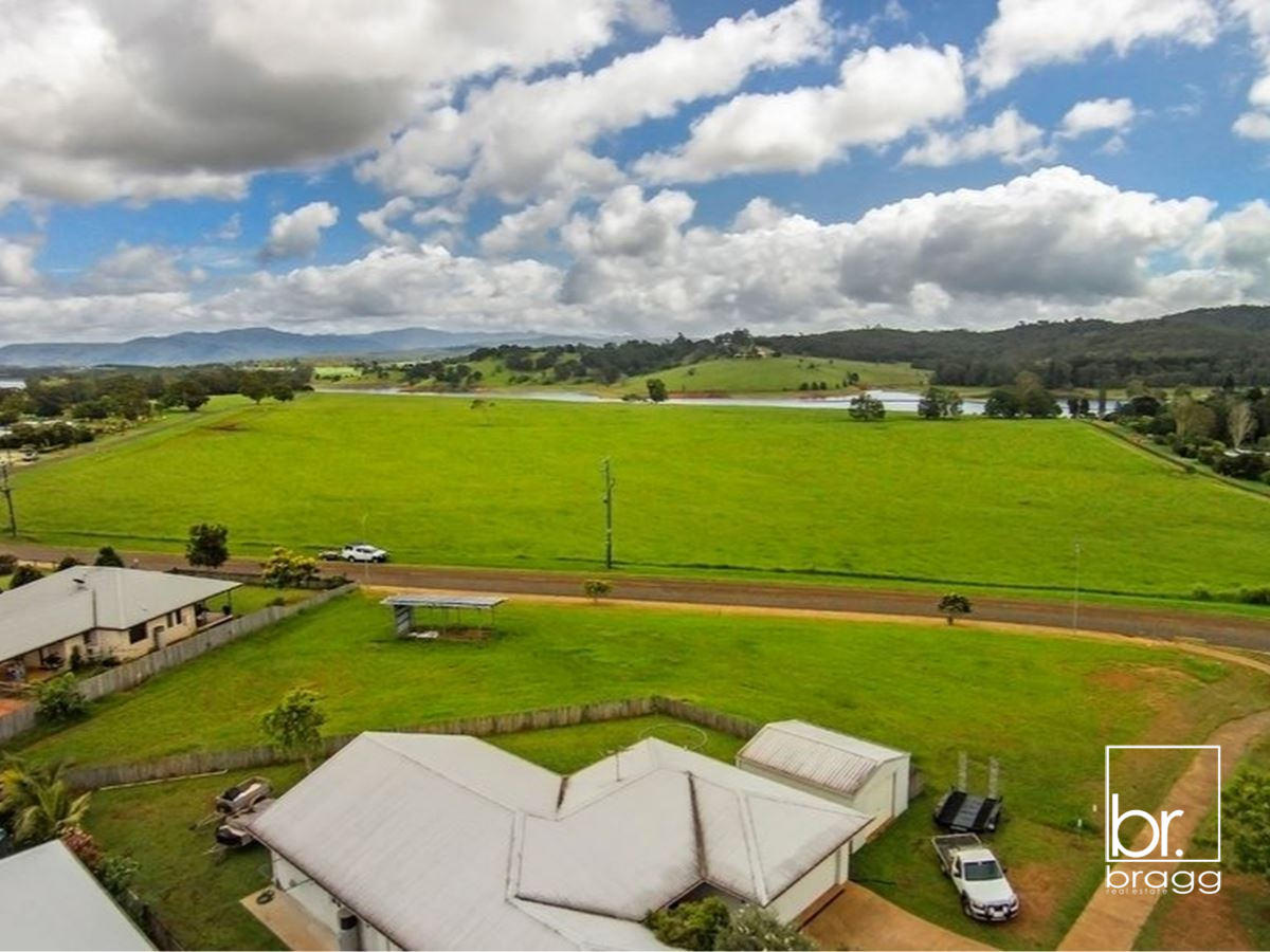 21 WILLIAMS AVENUE, YUNGABURRA