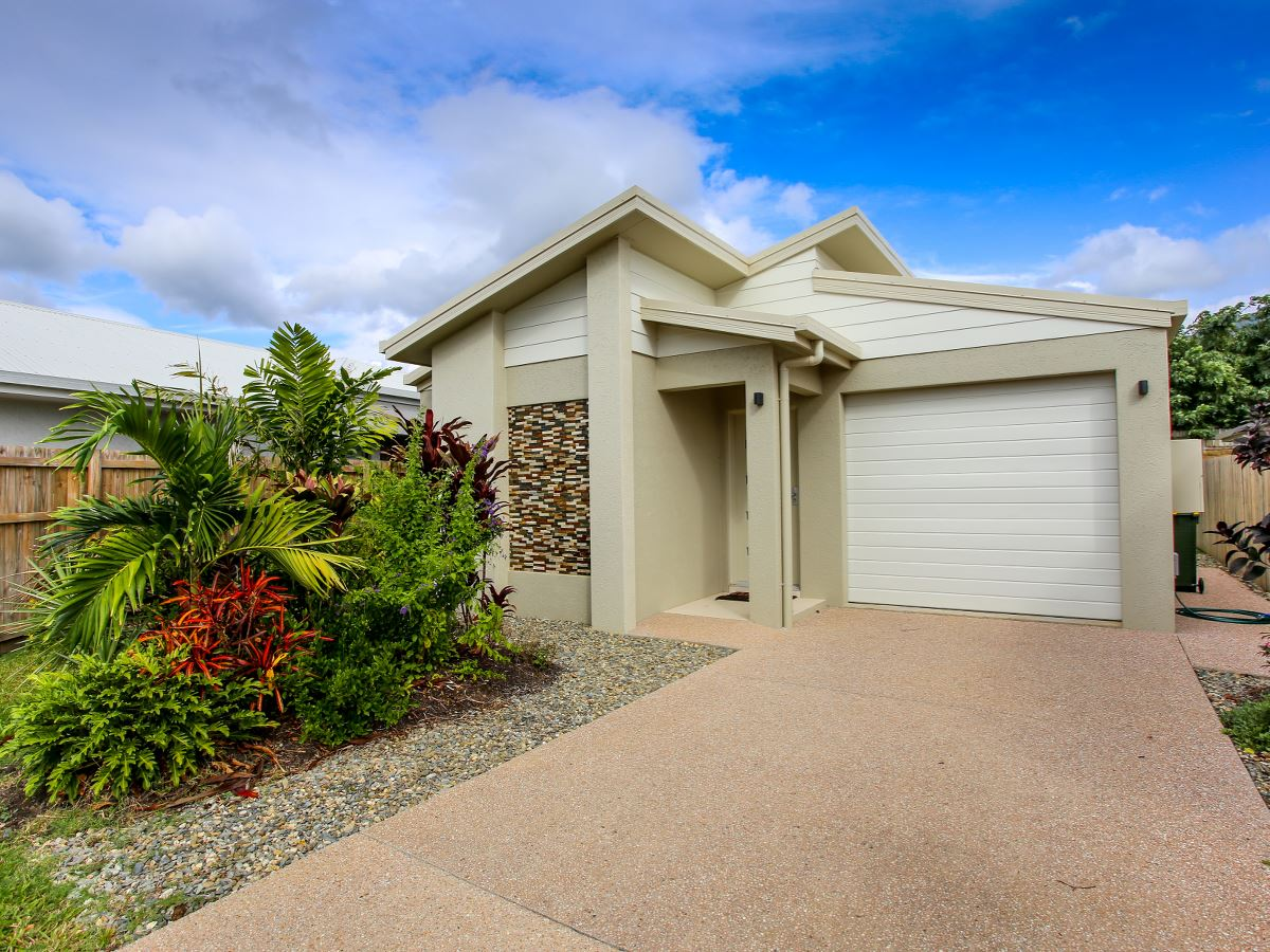 Property Lease At 9 Ainslie Place Smithfield QLD 4878