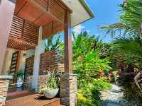 SPECTACULAR TROPICAL HAVEN