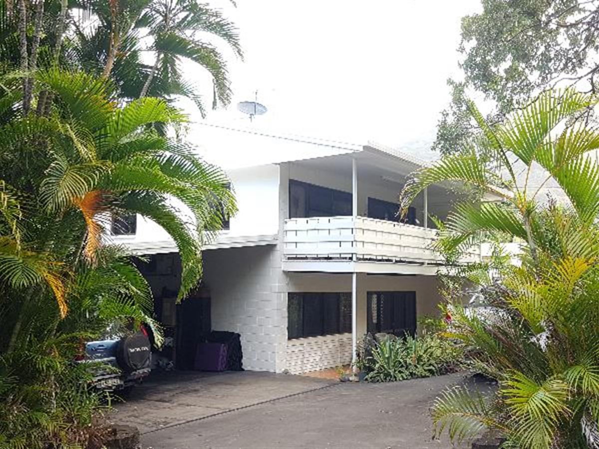 PALM COVE RESIDENTIAL HOUSE