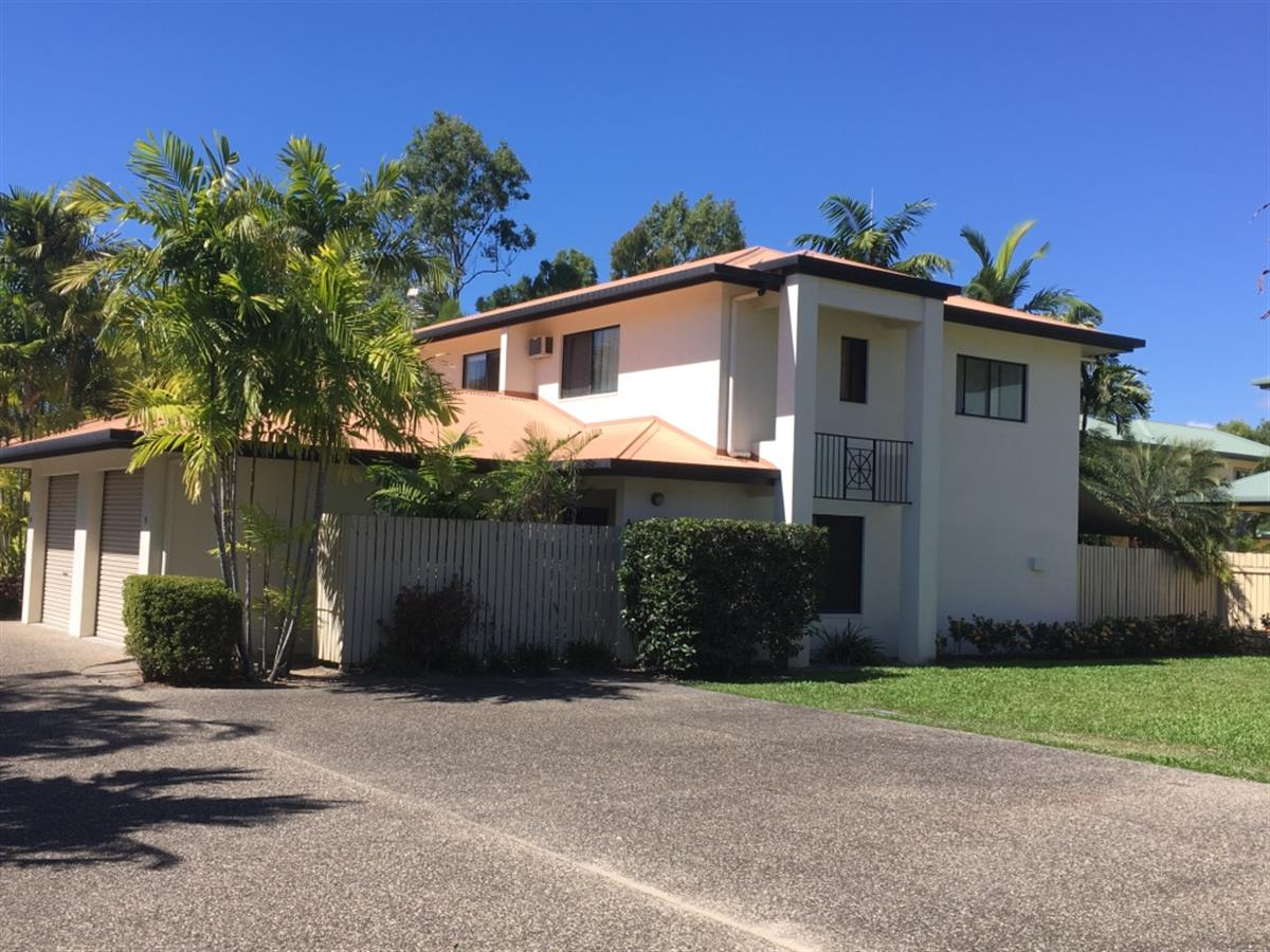 PALM COVE TOWNHOUSE