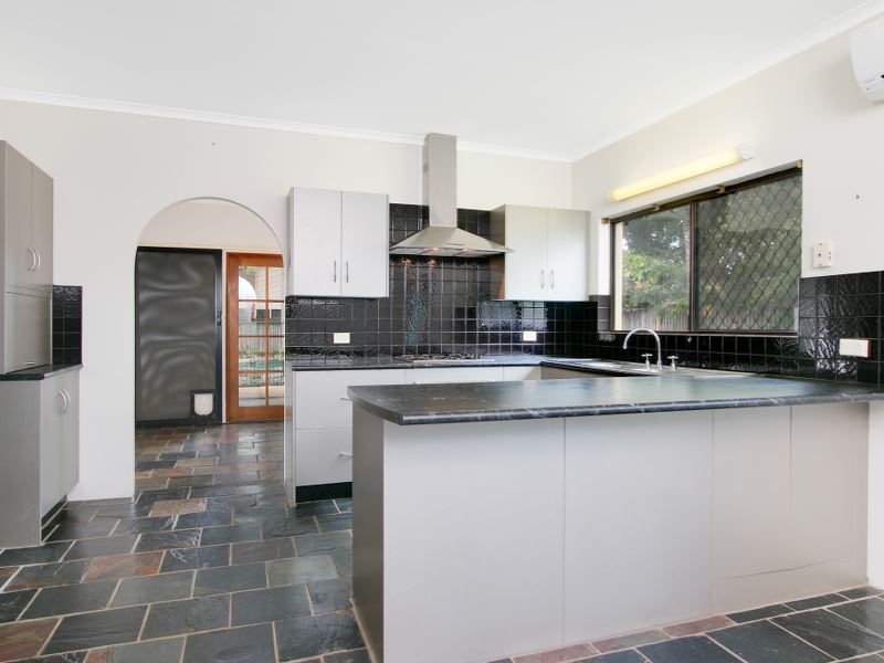 Property Sale at 1 Ethel Close, REDLYNCH QLD, 4870