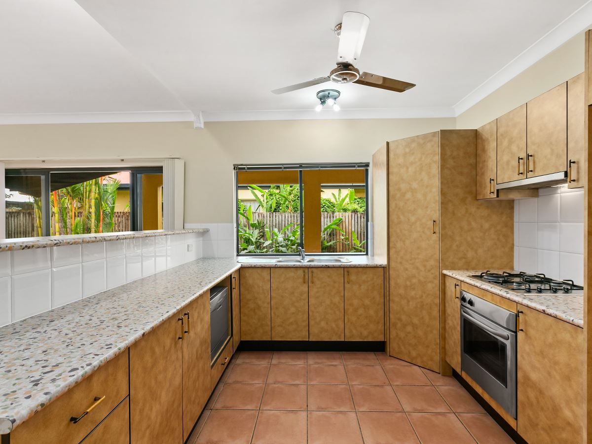 Property Lease at 24 Colonial Close, REDLYNCH QLD, 4870