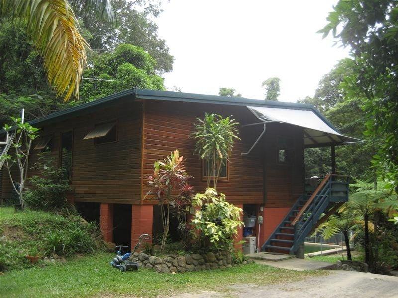 Rainforest Hideaway 3 Bedroom home & Pool.