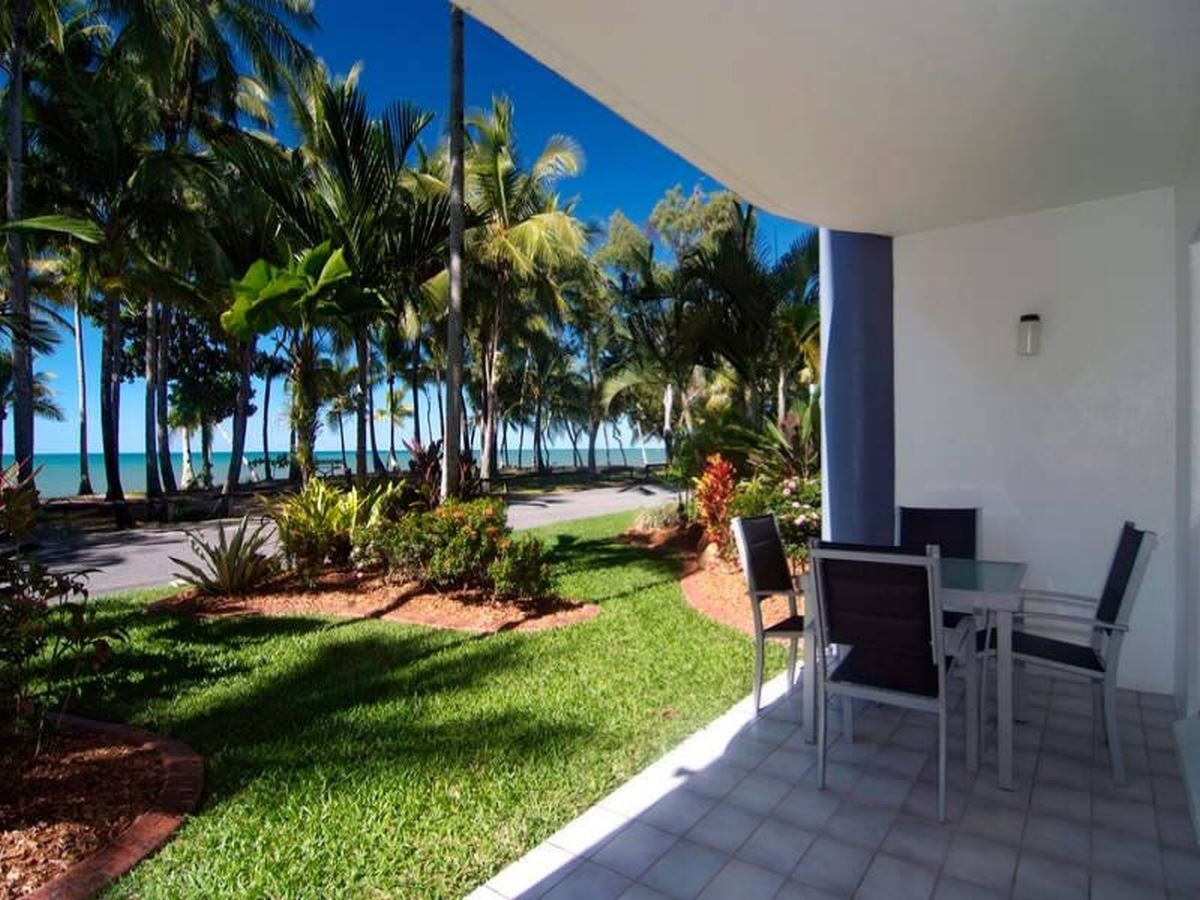 Beachside Living-Sit back and relax!