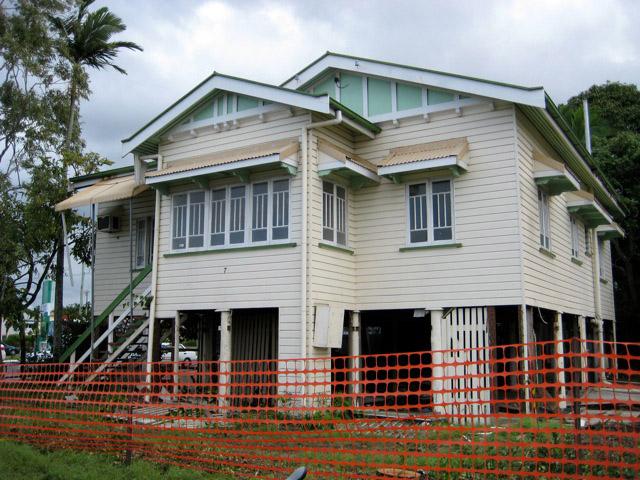 Feature window for Queenslander