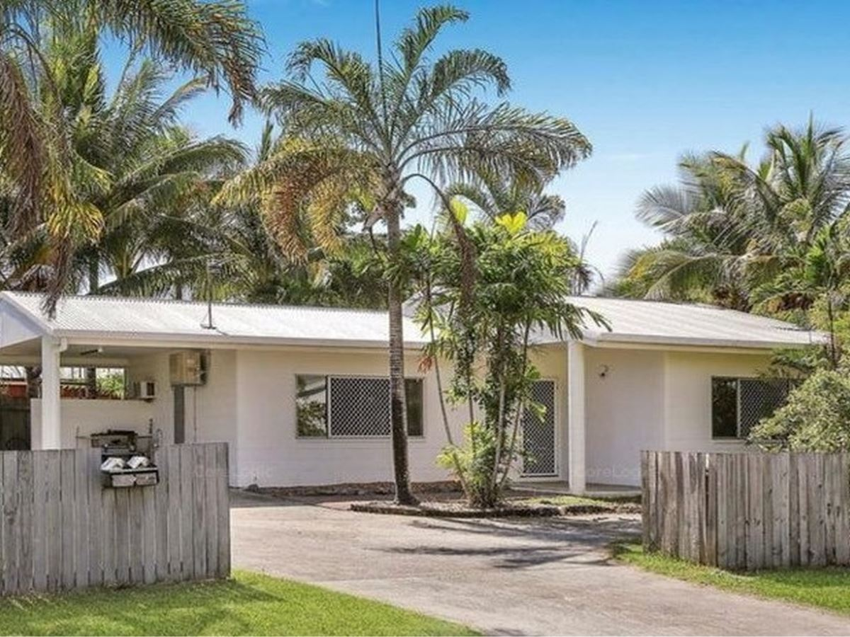 Immaculate Duplex Close to Beach