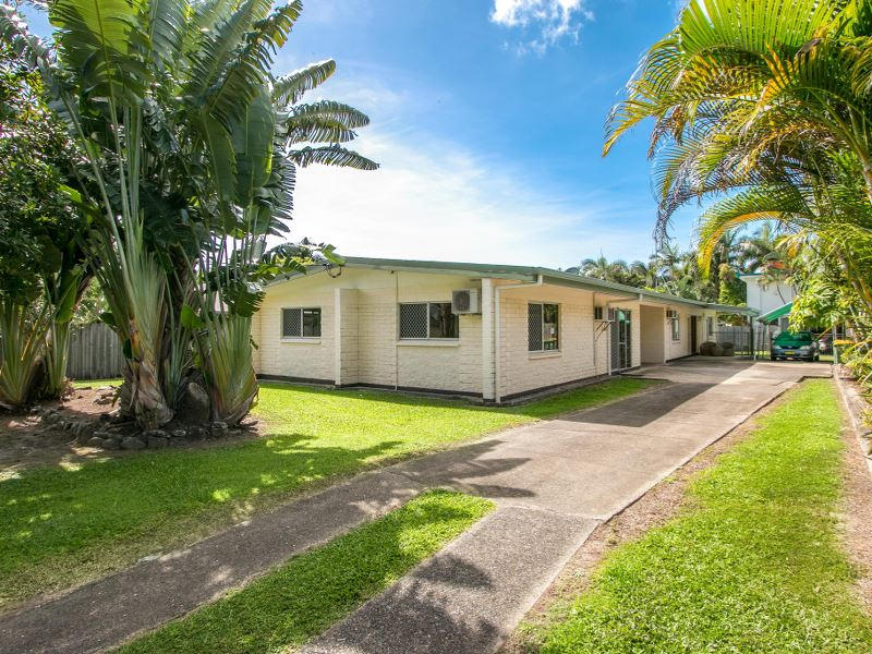 Palm Cove central investment opportunity