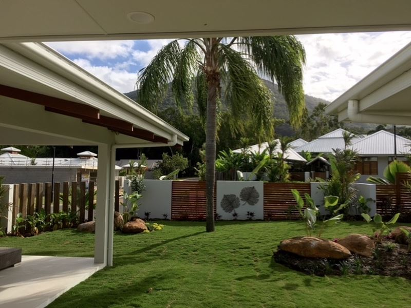 Brand new 3 bedroom home in Palm Cove.